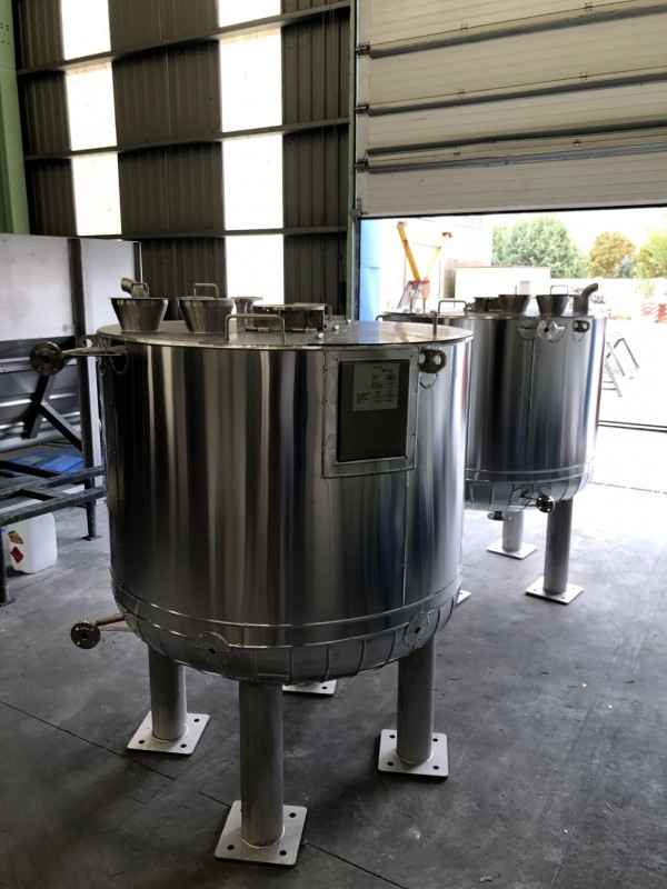 Manufacture of two equipment in AISI-316 stainless steel