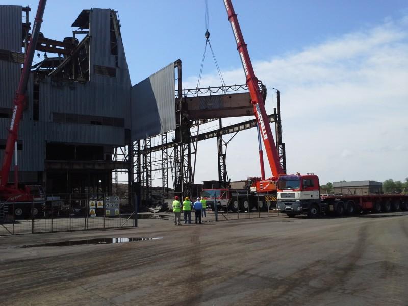 Demolición planta industrial