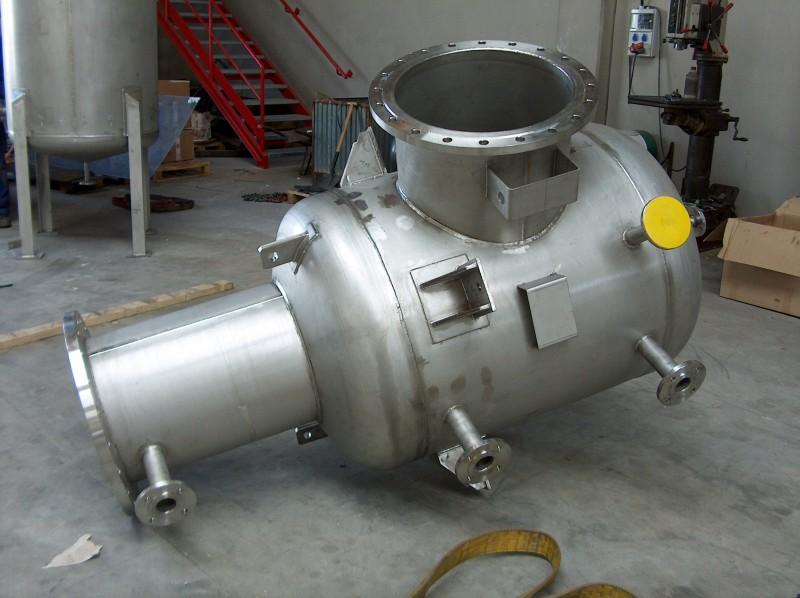 Titanium reactor head