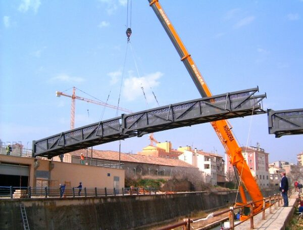 Assembly of walkway over river