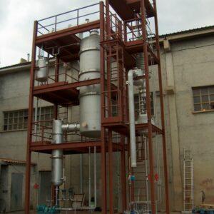 Station pilote de distillation avec film descendan