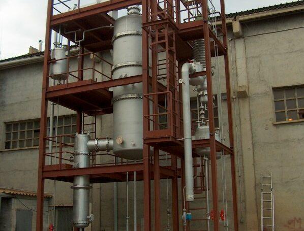 Planta piloto de destilación con película descendente