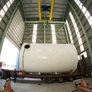 Fabricación de tanque de acero al carbono con poliester para ácido clorhídrico