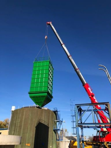Manufacture and assembly of a silo for sludge of 80