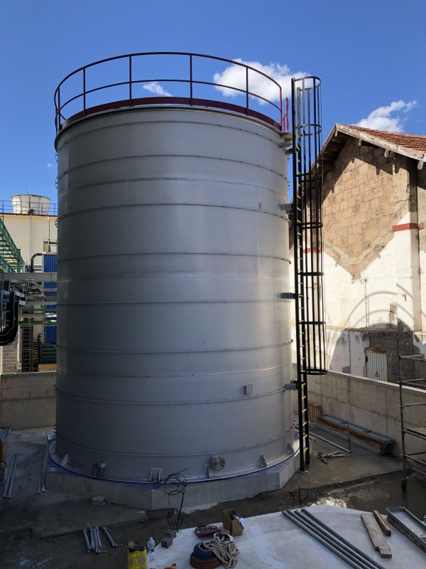 Fabrication of a storage tank