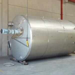 Stainless steel storage tank with agitators