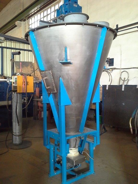 Stirring hopper in Hastelloy